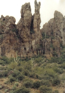 8a86e-mountain20spires20in20superstitions